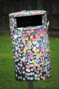 öffentliche Mülltonne