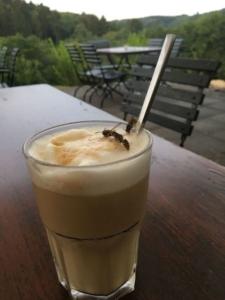 Wespen im Kaffee
